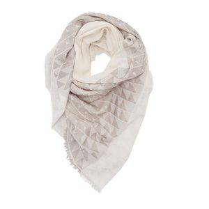Vince Camuto Accessories - VINCE CAMUTO Printed Scarf
